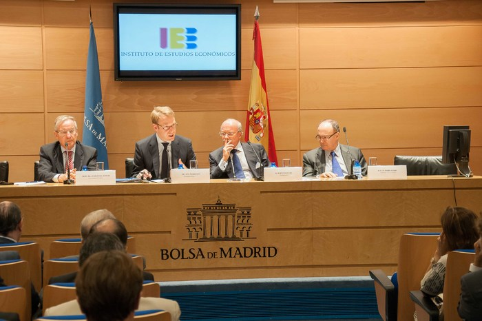conferencia_Hacia_una_Union_Monetaria_Europea_mas_estable_impartida_por_el_Sr._Jens_Weidmann,_Presidente_del_Bundesbank_(5)