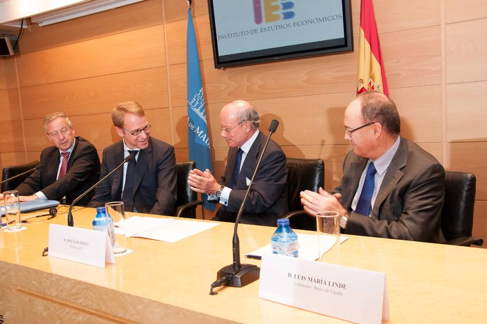 conferencia_Hacia_una_Union_Monetaria_Europea_mas_estable_impartida_por_el_Sr._Jens_Weidmann,_Presidente_del_Bundesbank_(9)